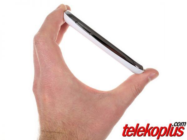 Samsung Galaxy Young S6310 mobilni telefon